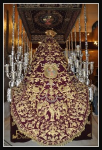Manto de la Virgen de La Victoria de Las Cigarreras Sevilla (3)